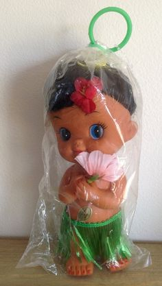 Vintage Hawaiian Hula Girl  Excellent Condition  by CitygirlCafe