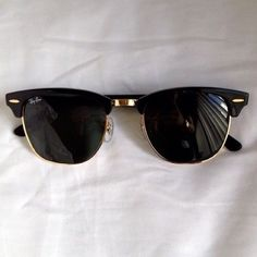 Black Ray-Ban sunglasses Erica style black ray ban sunglasses* perfect condition no signs of wear. Selling on Merc as well Ray-Ban Accessories Sunglasses Ray Ban Sunglasses Outlet, Ray Ban Outlet, Summer Sunglasses, Sunglasses Online, Sunglasses Accessories, Oakley Sunglasses, Sunglasses Women, Mirrored Sunglasses, Trending Sunglasses