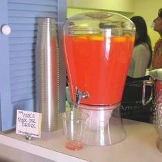 Dr Suess baby shower drinks