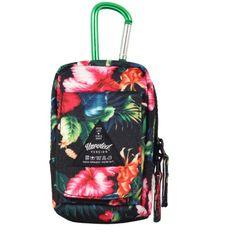 Basic Selection - The Floral Mini Pouch Bag Black http://www.urbanlocker.com/produits/22239-the-floral-mini-pouch-bag-black/