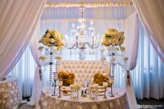 5 Elements of a Picture Perfect Sweetheart Table - Wedding Dash Blog Post