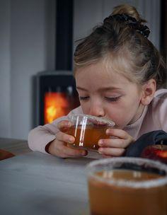 varm äppelmust Vanilj, Beer, Mugs, Tableware, Root Beer, Dinnerware, Cups, Dishes, Mug