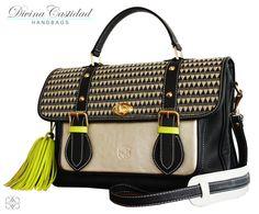 School Bag by DCH Fall in Love Collection 13  En cuero negro con tapa en fibra black&gold + detalles neón.