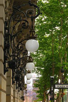 Street Lamps in Monserrat- Buenos Aires Argentina City Lights, Street Lights, Art Nouveau Arquitectura, Argentina Travel, Across The Universe, Street Lamp, Environment Design, What A Wonderful World, Outdoor Lighting