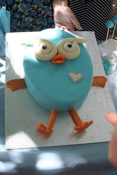 Giggle and Hoot Cake anGennas first b-day Party Cake Giggle and Hoot Cake and Hoot Party Cake Harry Birthday, 1st Birthday Parties, Boy Birthday, Birthday Ideas, Birthday Cakes, Owl Cakes, Cupcake Cakes, Owl Parties, Twin First Birthday