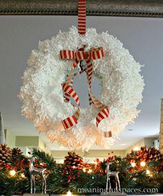 DIY Yarn wreath #Christmas Yarn wreath