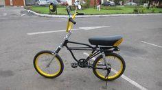Yamaha Moto Bike, Motorcycle, Bicycles, Old School, Biker, Frames, Ideas, Travel Journals, Biking