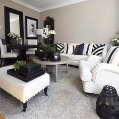 Cute black and white decor My Living Room, Home And Living, Living Room Decor, Living Spaces, Salons Cosy, Dream Decor, Home Decor Furniture, Apartment Living, Living Room Designs