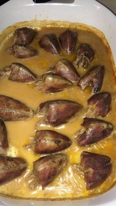 Alabama Smothered Dove -- serves 6 -- Another food I never ate or prepared before moving to Alabama. Can't imagine now not eating these sweet little birds. Venison Recipes, Meat Recipes, Cooking Recipes, Smoker Recipes, Recipies, Healthy Menu, Healthy Recipes, Roast Chicken And Gravy, Cut Recipe
