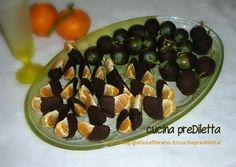 I mandarini e uva al cioccolato sono una ricetta facile da fare e un modo per servire dolce e frutta in un'unica portata. Ingredienti per questa ricetta: ..