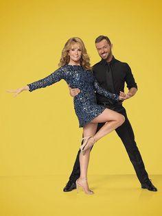 LEA-THOMPSON-&-ARTEM-CHIGVINTSEV–dancing-with-the-stars-season-19
