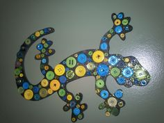Lizard button craft - cut out of cardstock, painted + glitter, then add buttons
