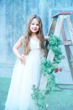 Christmas Photoshoots Family Photographer, Flower Girl Dresses, Photoshoot, Wedding Dresses, Creative, Christmas, Fashion, Bride Dresses, Xmas