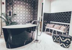 Minkälaisesta kylpyhuoneesta sinä haaveilet? @koto_sisustussuunnittelu #kotosisustussuunnittelu #kylpyhuone #kylpyamme #kylpy #sisustus #inpsiration #decor #homespa #talotalo @talotalovantaa
