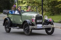 1927-1931 Ford Model A (Was built in 35 body styles) This is a 2-Door…