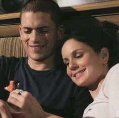 Michael and Sara prison break - Best of Wallpapers for Andriod and ios Prison Break Quotes, Prison Break 3, Sara Tancredi, Wentworth Miller Prison Break, Michael And Sara, Best Tv Couples, Dominic Purcell, Sarah Wayne Callies, Michael Scofield