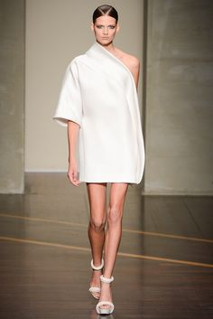 Gianfranco Ferré - Spring 2013 Ready-to-Wear - Look 1 of 34