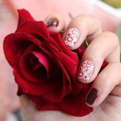 Кажется я немного перемудрила с декором… Старалась специально для #ЛайкоПятницаДекор от @aliensuvorova в #маникюр 'е участвовали лаки #chinaglaze #vii, неопознанный #yvesrocher и пластина для #стемпинг 'а от #konad #imageplate01 #moda, #fashion, #nails, #like, #uñas, #trend, #style, #nice, #chic, #girls, #nailart, #inspiration, #art, #pretty, #cute, uñas decoradas, estilos de uñas, uñas de gel, uñas postizas, #gelish, #barniz, esmalte para uñas, modelos de uñas, uñas ...