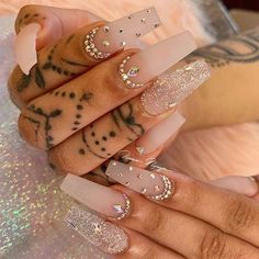 How to choose your fake nails? - My Nails Rhinestone Nails, Bling Nails, Nail Art Rhinestones, Nail Swag, Nagel Bling, Fire Nails, Best Acrylic Nails, Coffin Acrylic Nails, Coffin Nails Glitter