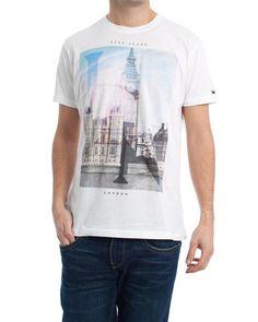 Camiseta Pepe Jeans. Modelo Bourgh. Color blanco con estampado del Big Ben.  Formato slim. El modelo lleva una talla M.  camiseta  pepejeans  moda  ropa  ... 1d18d7d5164