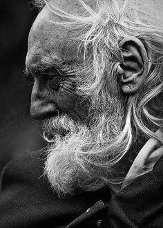 Senior Photo Photography in Black & White Old Man Portrait, Pencil Portrait, Portrait Art, People Photography, Portrait Photography, Photography Blogs, Photography Backgrounds, Exposure Photography, Photography Camera