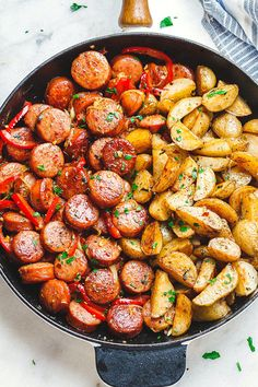 Smoked Sausage and Potato Skillet - Sizzle up a skillet full of delicious goodness with smoked sausage, potatoes, and bell peppers! - by summer recipes summer recipes abendessen rezepte recipes recipes dessert recipes dinner Sausage And Potatoes Skillet, Sausage And Peppers, Potatoes Crockpot, Cook Potatoes, Cheesy Potatoes, Mashed Potatoes, Smoked Sausage Recipes, Smoked Sausages, Sausage Meals
