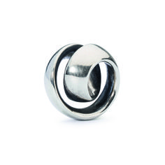 Neverending Bead in silver by Trollbeads - Shop the 2015 Spring Collection at www.trollbeads.com #newhorizons #handcrafted