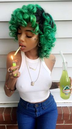 Amazing curly green hair