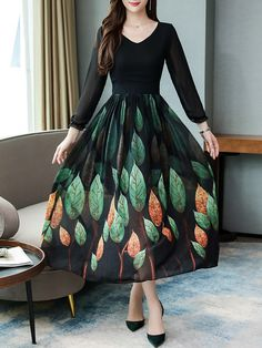 Sweet Heart Floral Printed Maxi Dress Get the latest womens fashion online With of new styles every day from dresses, onesies, heels, & coats, # Polka Dot Maxi Dresses, Cheap Maxi Dresses, Stylish Dresses, Trendy Outfits, Casual Dresses, Fashion Dresses, Chiffon Maxi Dress, Maxi Dress With Sleeves, Dress Silhouette