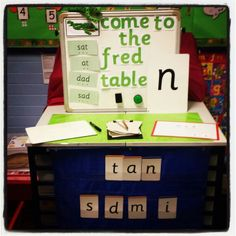 Reception are loving their new interactive phonics table with clip boards, white boards, magnetic sound cards and sound button with the sound of the d… Phonics Games, Phonics Reading, Jolly Phonics, Teaching Phonics, Primary Teaching, Phonics Display, Literacy Display, Phonics Activities, Writing Activities