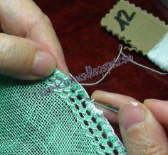 Eccoci al secondo post sul Deruta sfilato. Il primo post sui materiali lo trovate qui . Munitevi quindi del tessuto e del filo n° 12 oltre a... Drawn Thread, About Me Blog, Embroidery, Stitch, Crochet, Fabric, Nova, Apps, Lace