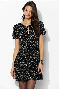 Trend: Floral Dresses - Urban Outfitters