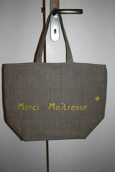 cadeau maitresse d ecole on pinterest lunch bags euro and lunch boxes. Black Bedroom Furniture Sets. Home Design Ideas