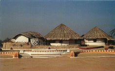 Heritage of India: Hodka Resort post card in the set.  Hodka Resort is at Hodka village with tourist huts, desgned on the lines of local village huts called Bhunga, circular mud houses with thatched roofs.