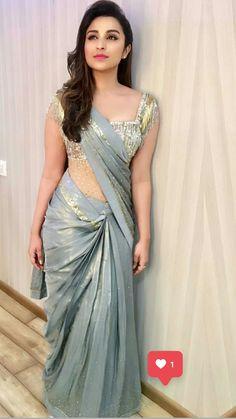 Drawing Girl Smoking Beautiful 48 New Ideas Bollywood Celebrities, Bollywood Fashion, Bollywood Actress, Bollywood Stars, Indian Beauty Saree, Indian Sarees, Kriti Sanon Saree, Parneeti Chopra, Saree Gown