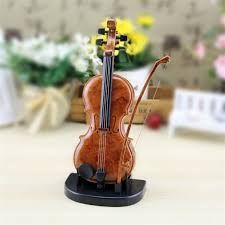♫♪ ♪♫♥.....La música es el corazón de la vida. Por ella habla el amor; sin ella no hay bien posible y con ella todo es hermoso. Franz Lisz