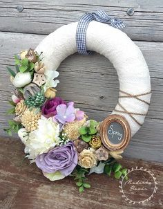 Tavaszi pasztell koszorú (madarkamuhely) - Meska.hu Make And Sell, Advent, Christmas Wreaths, Floral Wreath, Easter, Wisdom, Decorations, Crafts, Diy