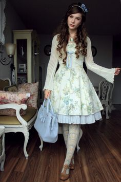 Combined outfit for a friends' wedding followed by the opera Il Barbiere di Siviglia Dress: Mary Magdalene Socks: Verum by Grimoire Shoes: John Fluevog Bag: Material Girl Cameo: Vintage Bolero:...