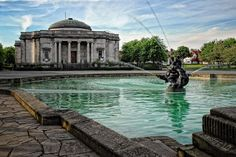 the glorious Lady Lever Art Gallery, famous for its Pre-Raphaelite art. Port Sunlight...Merseyside!