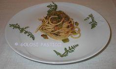 Profumo mediterraneo per questi spaghetti con tonno e finocchietto selvatico. Ingredienti semplici per questo primo piatto della cucina siciliana