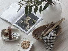 Pre-Christmas inspiration with Marimekko / styling by Minna Jones Pre Christmas, Marimekko, Christmas Inspiration, Natural Materials, Scandinavian, House Design, Ceramics, Tableware, Decor Ideas