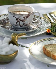 Classic Hound transfer ware in brown.....morning breakfast in the country kitchen