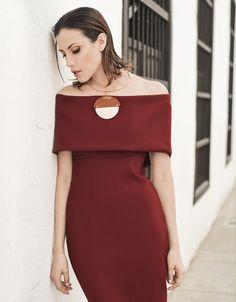Vestido Izzabella Collection, collar Nora Lozza.