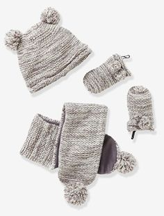e2c29fa4487 This set is just too cute with its garter stitch design and little pompoms! Baby s  hat