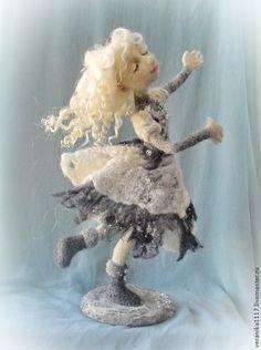 """Купить Кукла из шерсти """" В вихре снежного вальса"""" - белый, зима, Снегопад, танец"""