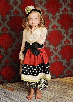 Persnickety Holly Berry Dress, shown with Holiday Green Headband Little Girl Fashion, Little Girl Dresses, Girls Dresses, Dress Girl, Fashion Niños, Kids Fashion, Dress Fashion, Persnickety Clothing, Girls Holiday Dresses