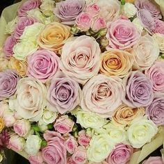 Pastel heaven by @antheiaflowers #meijerroses #antheiaflowers #sweetavalanche #luxuryroses #weddingideas #bridetobe #weddinginspiration