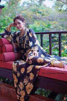 Araya A Hargate Chompoo Araya, Style, Fashion, Swag, Moda, Fashion Styles, Fashion Illustrations, Outfits
