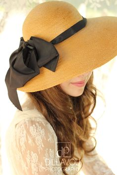 Farb-und Stilberatung mit www.farben-reich.com - Captivating Vintage Hat with Black Bow by RubyandCordelias on Etsy, $89.00