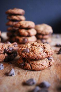 The Best Gluten + Sugar-Free Chocolate Chip Cookies   Poppytalk